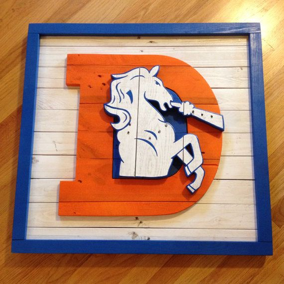 Old School Denver Broncos logo wall art made from pallet ...
