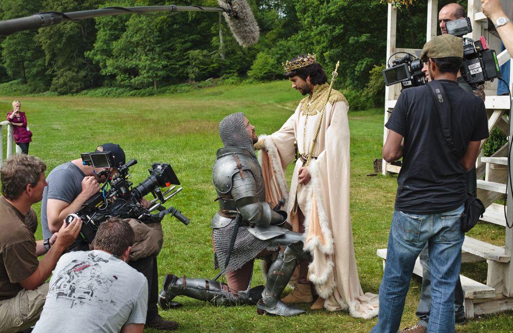 the hollow crown | the hollow crown richard ii behind the scenes ben wishaw as richard ii ...