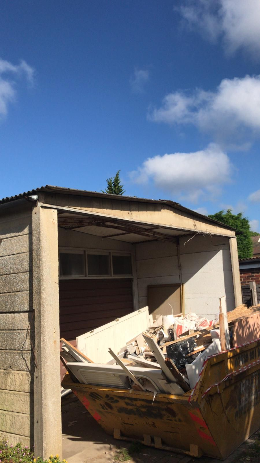 Double Garage For An Asbestos Roof Removal Wembley London Www Asbestoslondon Org 01277 546070 In Asbestos Asbestos Removal Double Garage