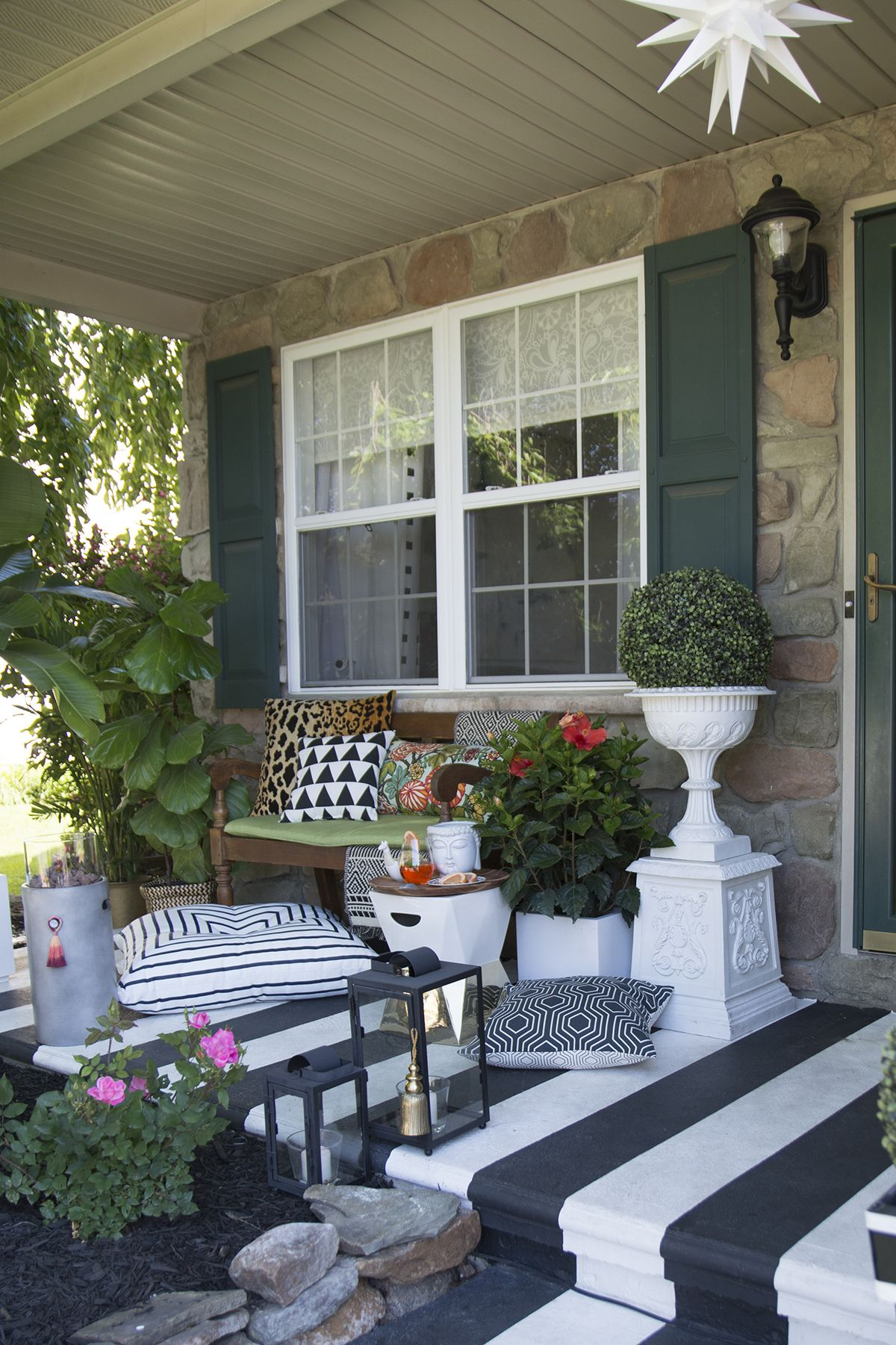 Tropical, black and white striped porch (With images ... on Black And White Patio Ideas id=66873