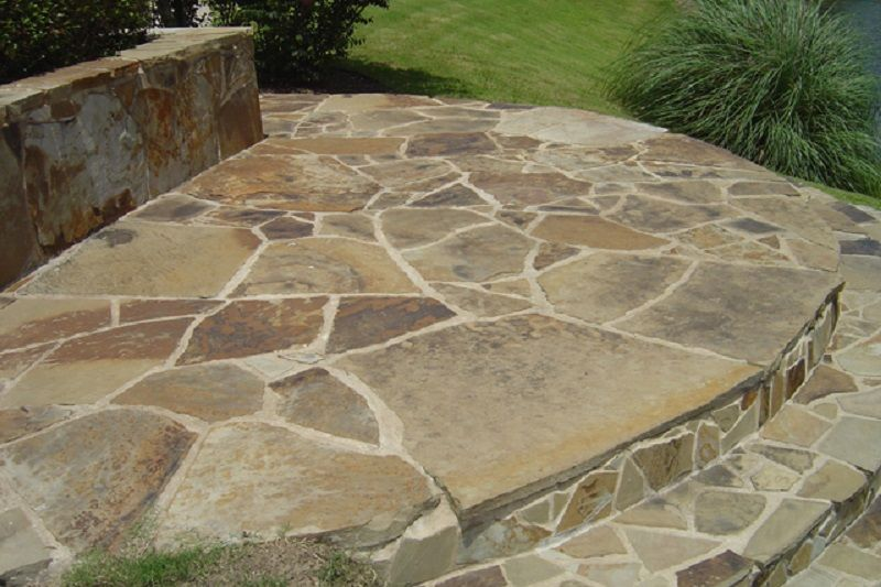 Mahogany Patio & Flagstone
