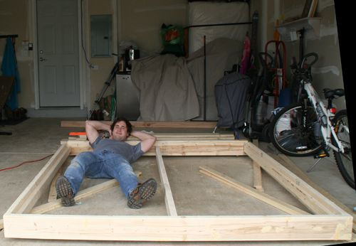 Do It Yourself Home Design: Build A King-Sized Platform Bed - HONEY DO THIS!