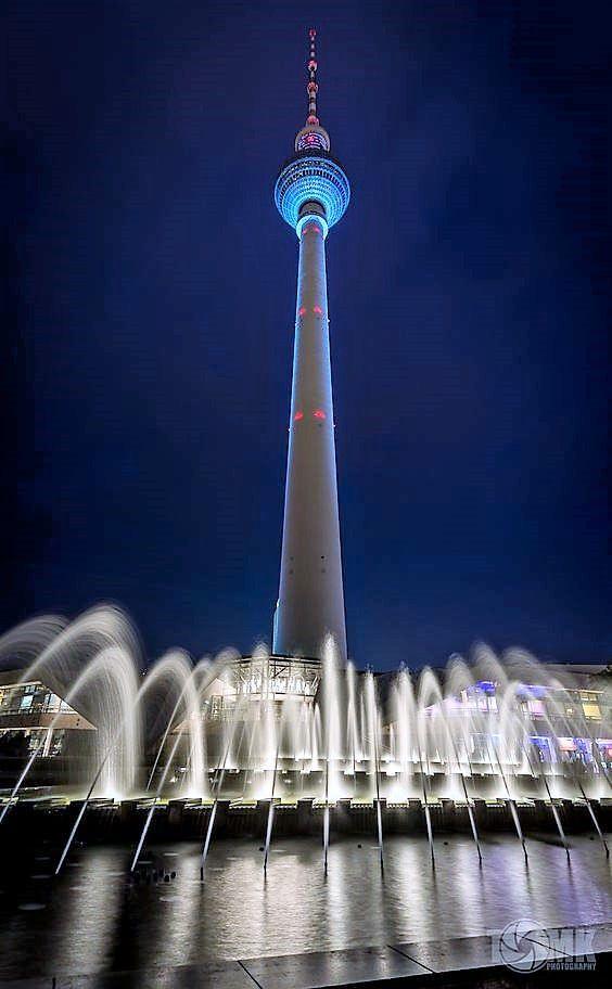 Berlin Fernsehturm Alexanderplatz Berlin Fernsehturm Orte Zum Besuchen