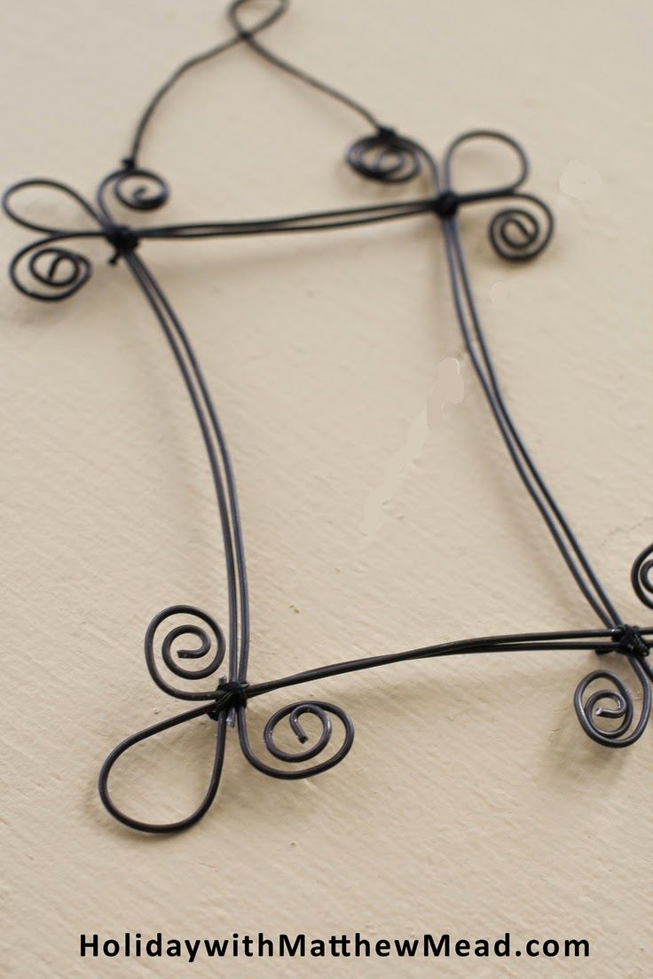 70 crafty ideas to use wire for home decor projects wire picture frame solutioingenieria Images