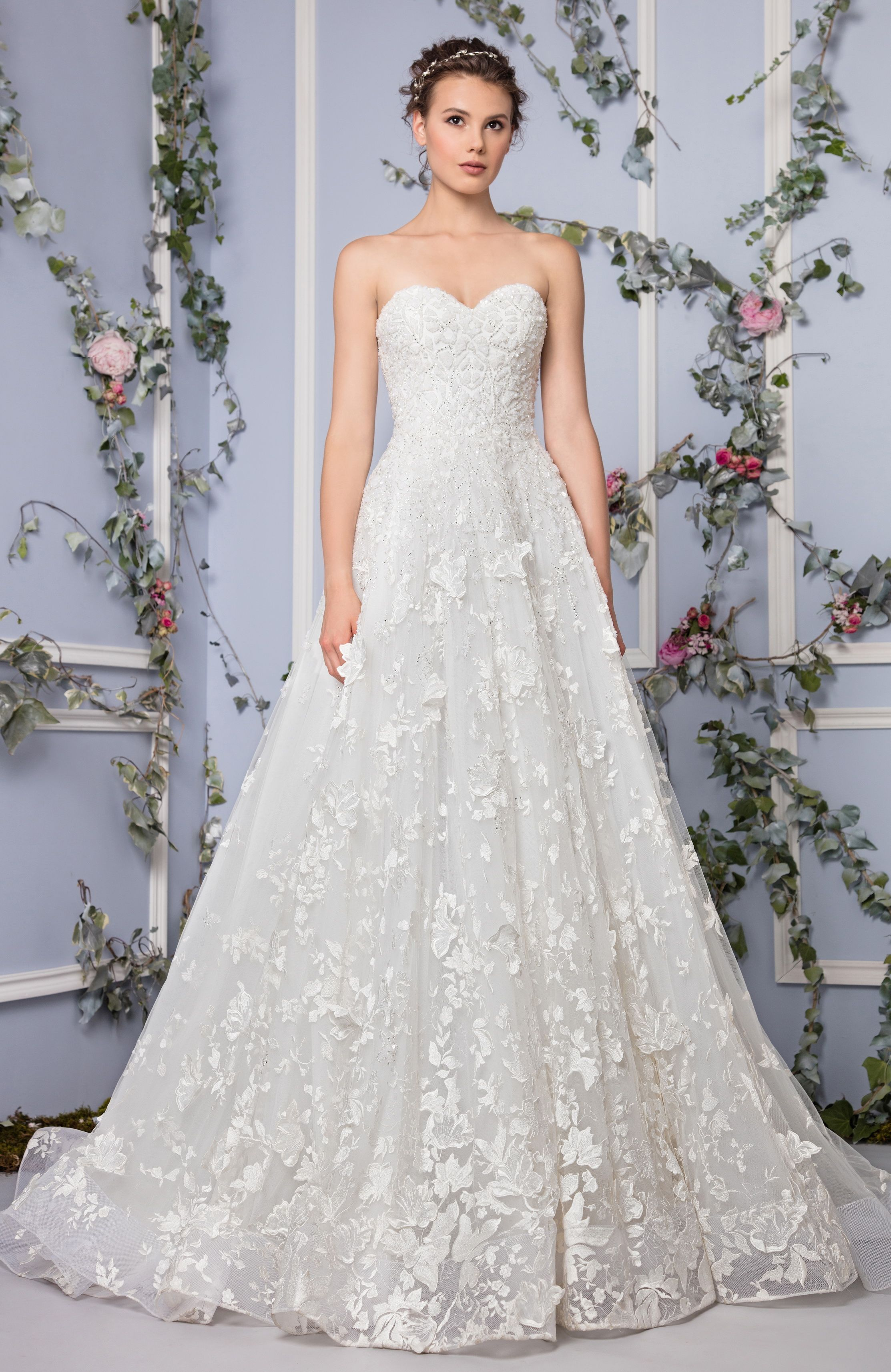 Tony Ward Bridal 2017 l Look 3 l Caireen - Off White A-line sweetheart evening dress in embroidered Tulle, embellished with crystals and Silk flowers on a full skirt.