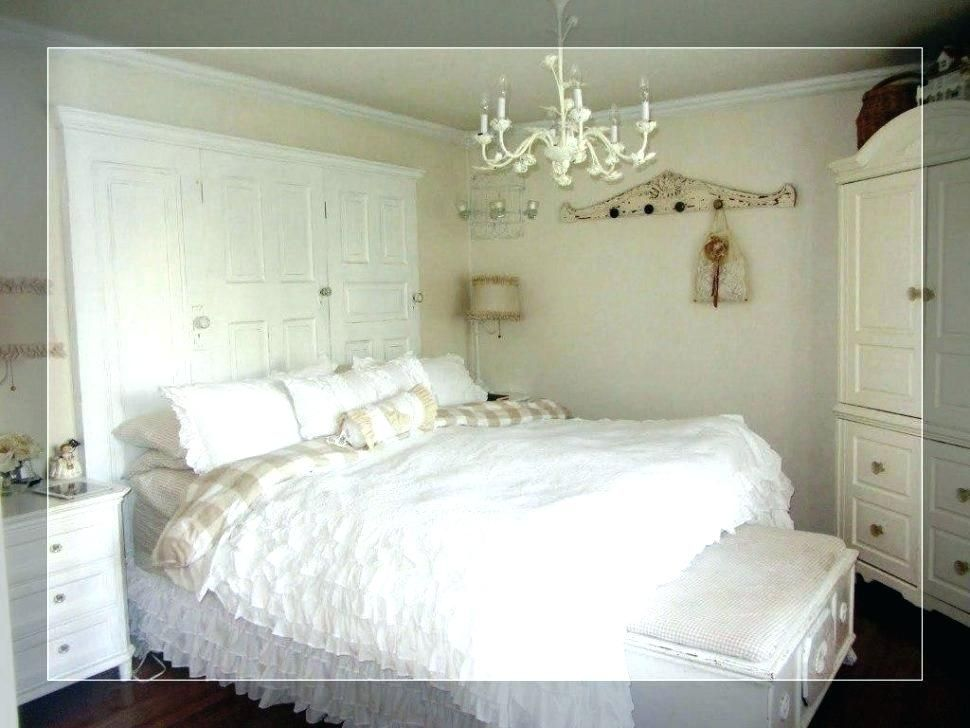 Stunning Bedroom Chandelier Ideas Design Chandelier Bedroom