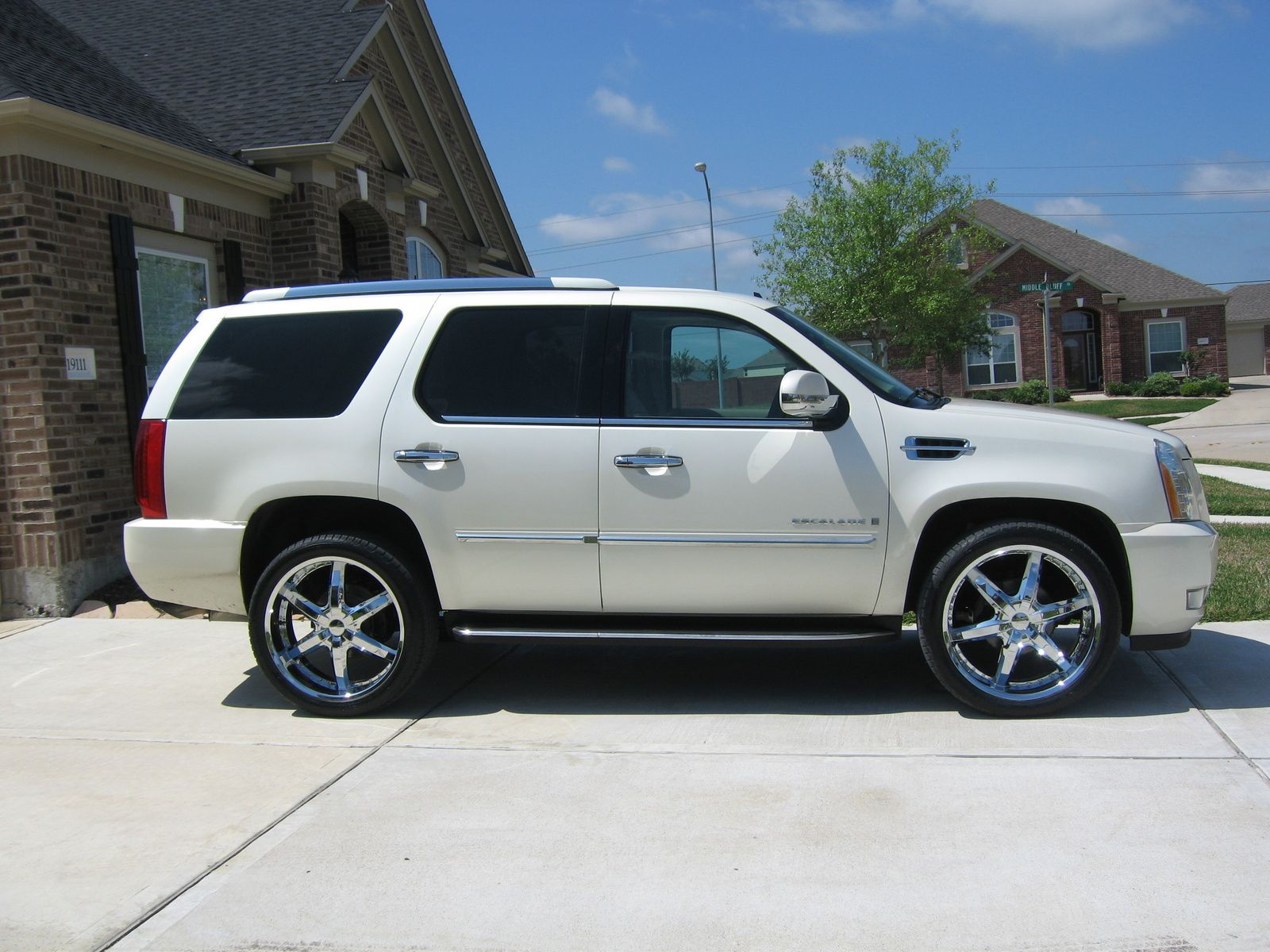 cadillac escalade on 26 inch rims 2008 find the classic. Black Bedroom Furniture Sets. Home Design Ideas