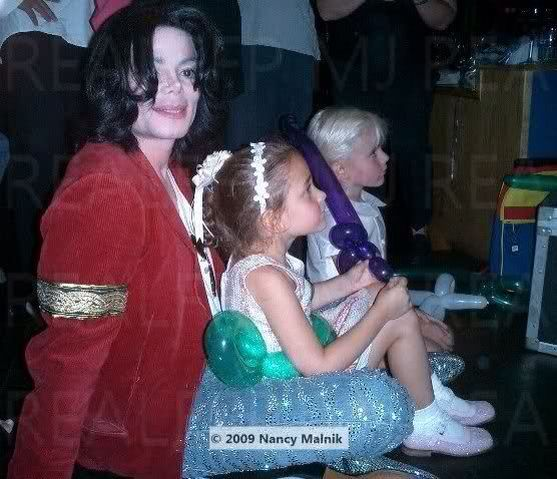 Michael with his daughter Paris and son Prince Michael