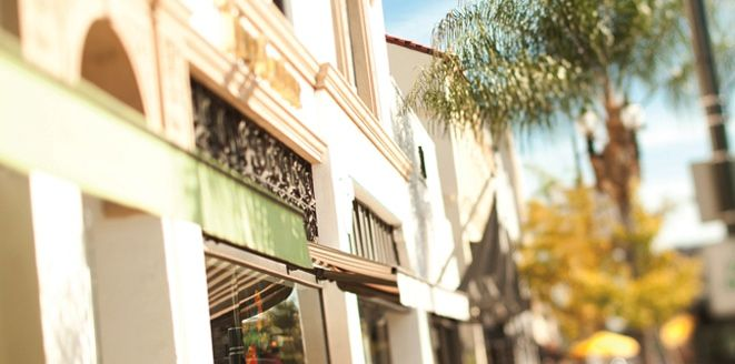 Located in the heart of Pasadena, Villa Gardens is filled with people who share the city's love of culture, tradition and Southern California style.