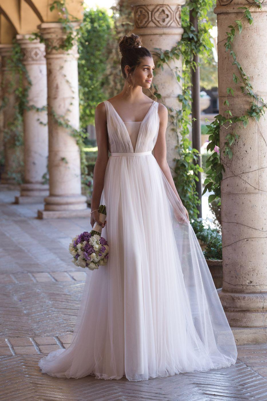 Luftig leichtes Brautkleid von Sincerity #boho #vintage #wedding