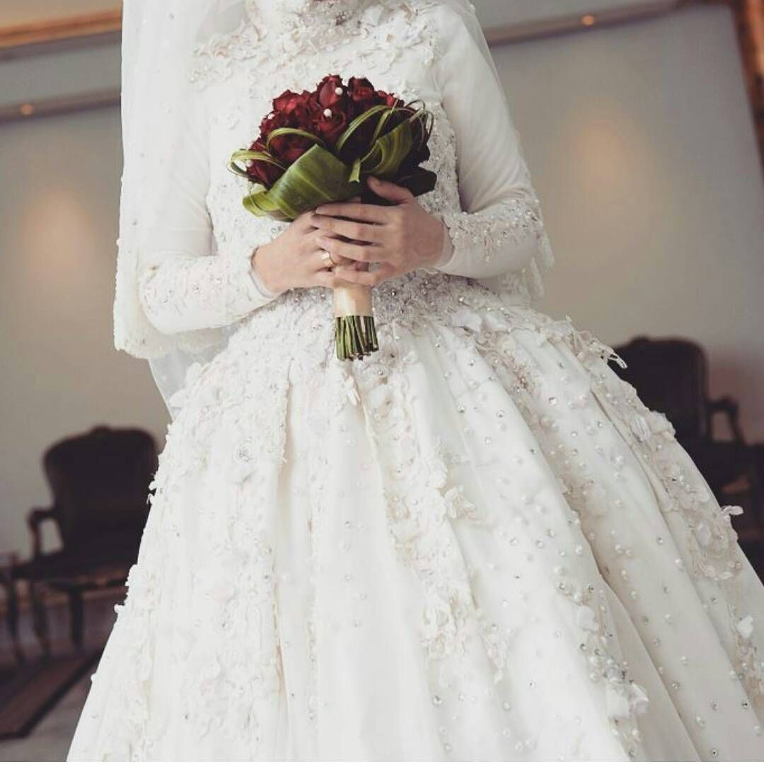 See this instagram photo by dopehijab 333 likes muslim see this instagram photo by dopehijab 333 likes wedding hijabmuslim wedding dressesbridal ombrellifo Image collections