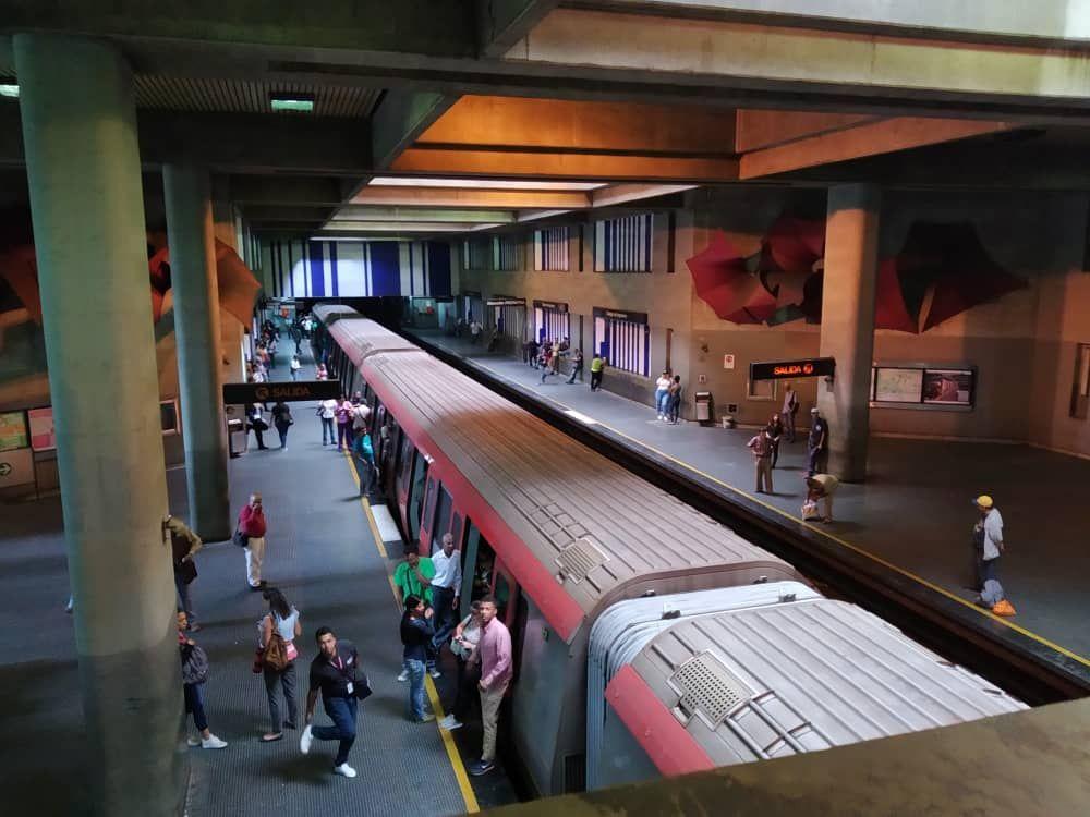 Los Responsables Del área Ferroviaria Y Metroviaria Del Plan País Advierten Que El Sistema Subterráneo De Transporte Masivo Estado Democratico Desalojo Caracas