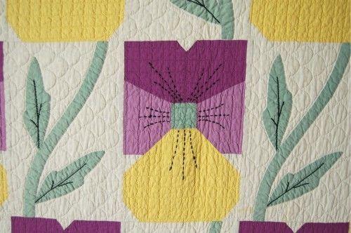 Outstanding vintage s pansy applique antique quilt excellent