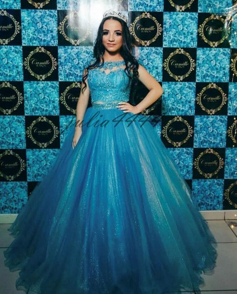 2017 Green Ball Gown Quinceanera Dresses Sweetheart Crystal Beaded Tulle Floor Length Corset Masquerade Ball Gowns Sweet Sixteen Dresses #masqueradeballgowns