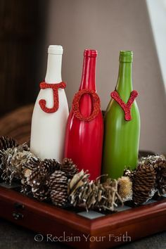 Simple and adorable diy decorations using recycled wine for Recycled christmas decorations using bottles