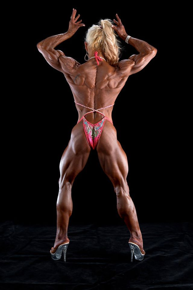 women who develop their body doubl biceps back pose