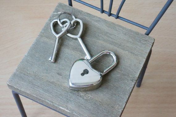 Sliver Heart Lock with 2 keys/ Bag lock/ Bag making by Leatherhome
