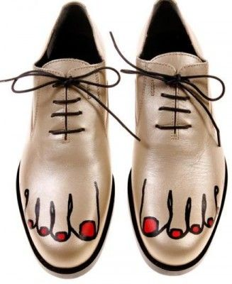 Google Image Result for http://media.onsugar.com/files/ons1/333/3338059/32_2009/0fd88324279dac46_comme-des-garcons-shoes1-327x400.jpg