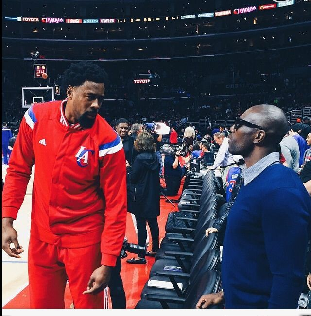 Terrell Owens Hanging With The Clippers Tonight Chris Paul Clippers Los Angeles Clippers Chris Paul