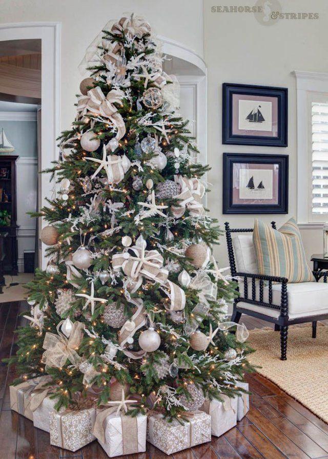 Alberi Di Natale Decorati Foto.Raffinato L Albero Di Natale Sui Toni Del Bianco E Crema