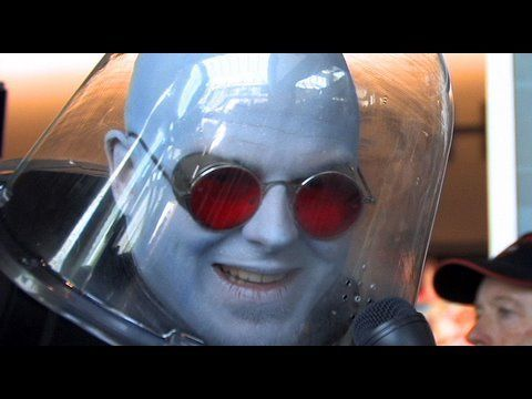 Mr. Freeze at Comic-Con (SDCC 2009) - YouTube