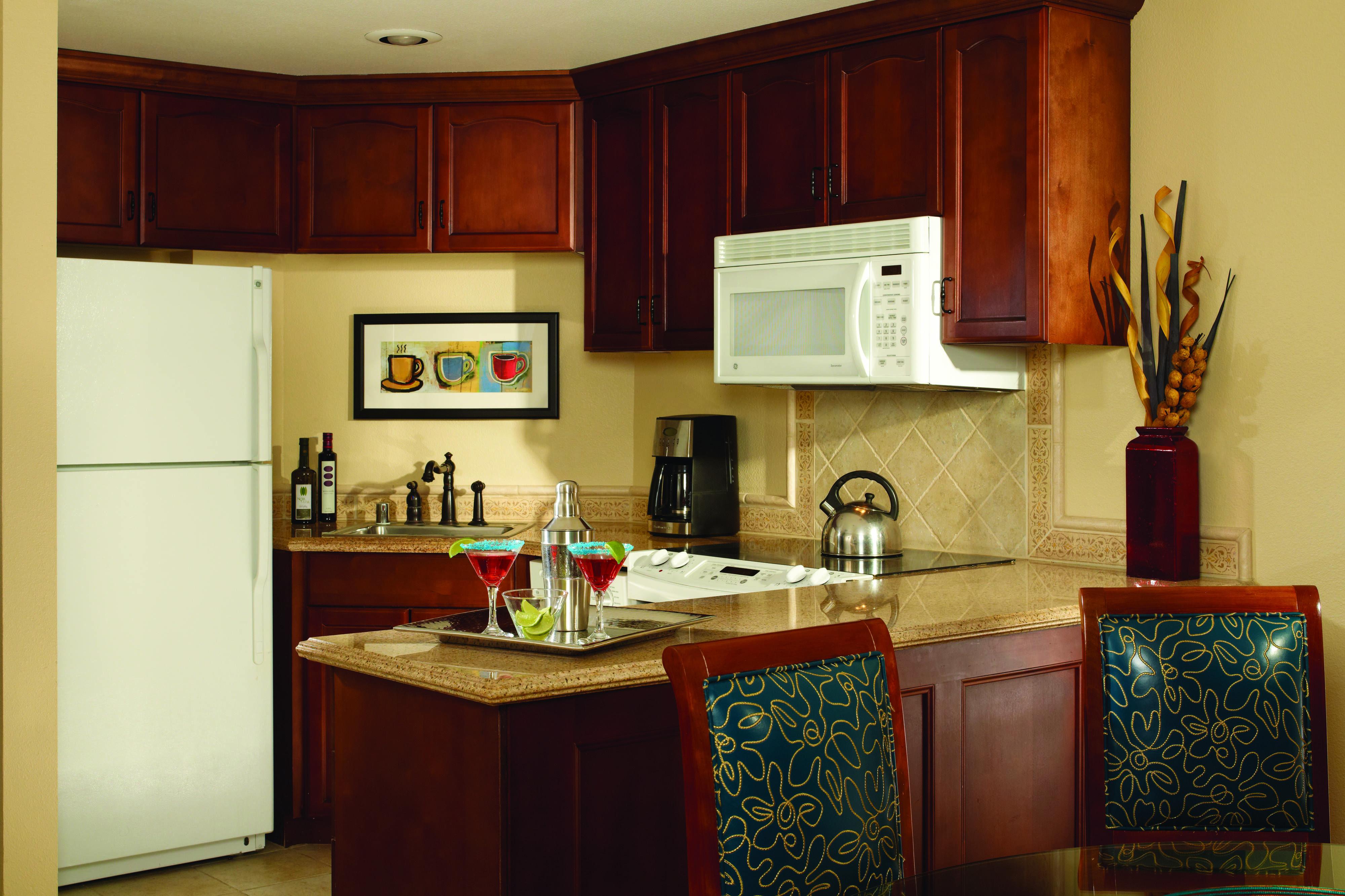 Marriott S Grand Chateau Villa Kitchen Comfortable Guestroom Visiting Marriott Kitchen Kitchen Cabinets