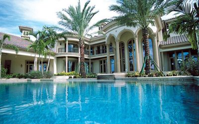 amazing house but too big for a family of 5 or 6 the pool is incredible - Nice Big Houses With Pools