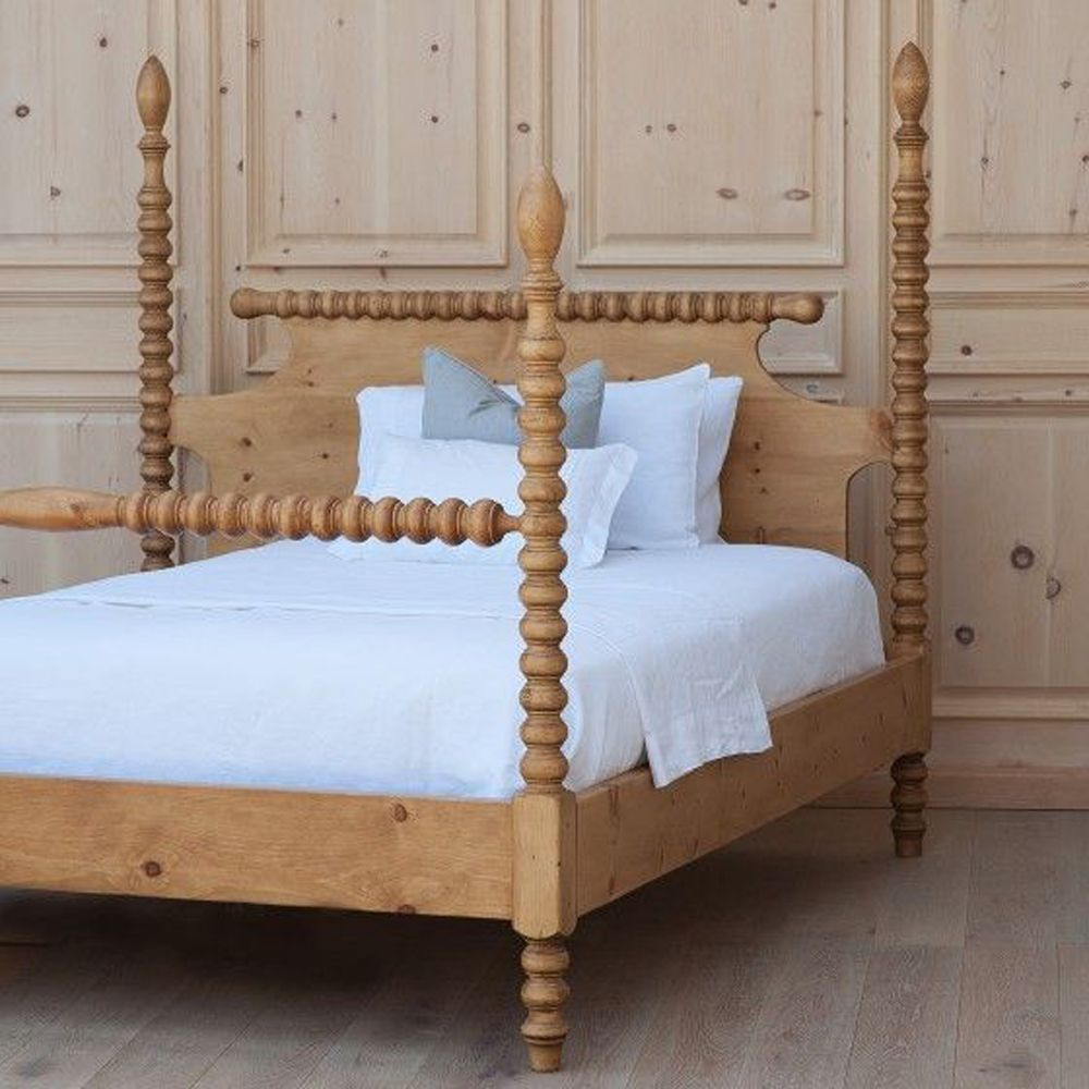 Dreaming Of A New Bed Spindle Bed Traditional Bed Bedroom
