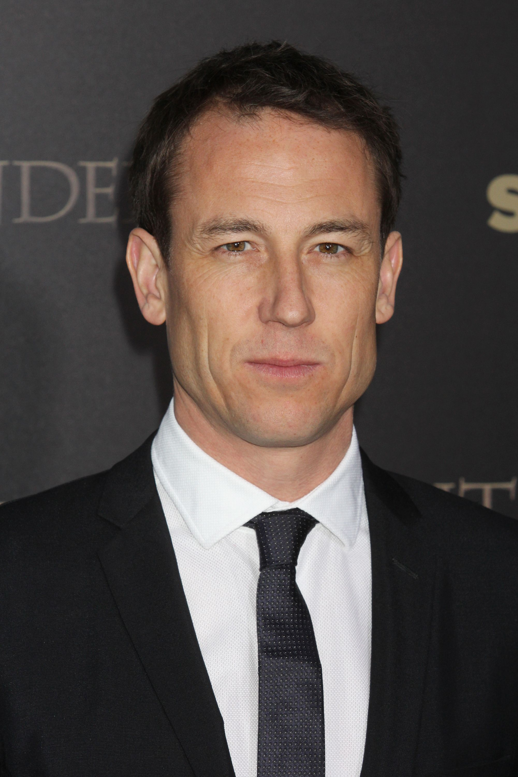 tobias menzies in night manager