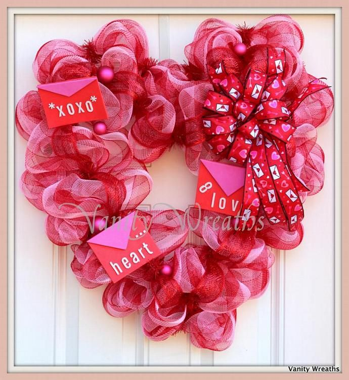 Xl Heart Shaped Valentines Mesh Wreath Free Shipping