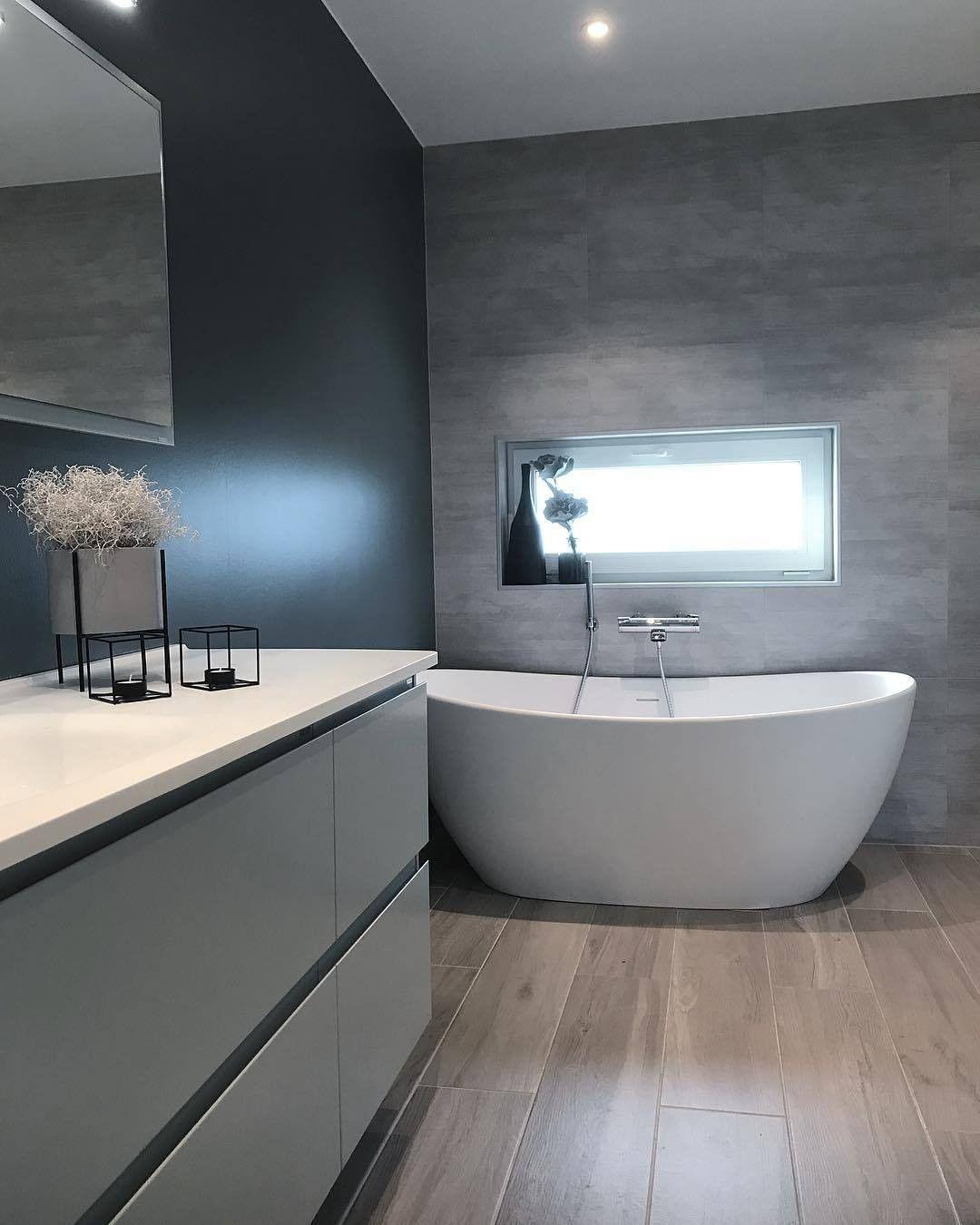 """Photo of Inspirasjon fra Bademiljø på Instagram: """"Viena badekaret fra @interformas gjør seg virkelig på badet til @henrietteshus ? Badekaret finnes også i grått og sort ? # mittbademiljø…"""""""