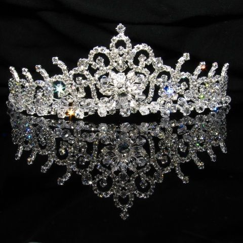 Of Course This Must Be Made Real Tiara Hairprincess Crownscrown