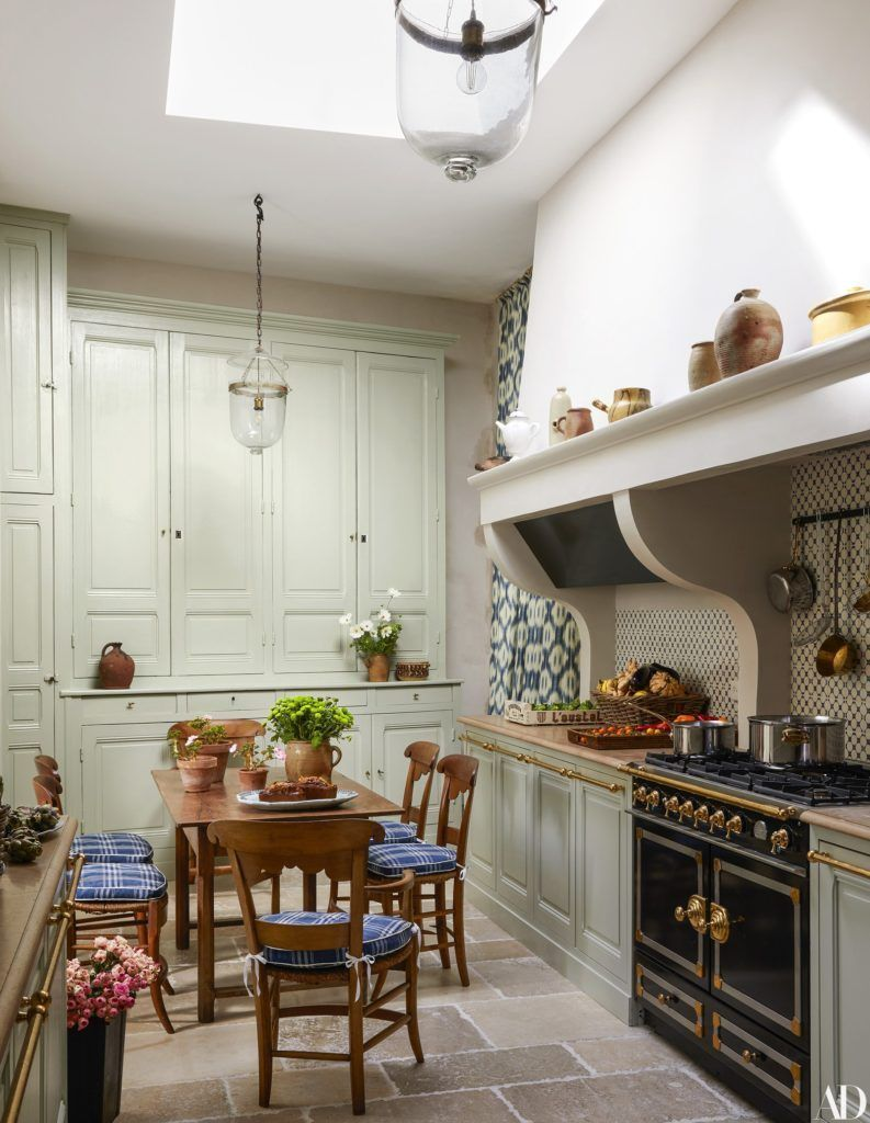 15 timeless eat in kitchens that inspire french country kitchens country kitchen kitchen design on kitchen remodel french country id=76351