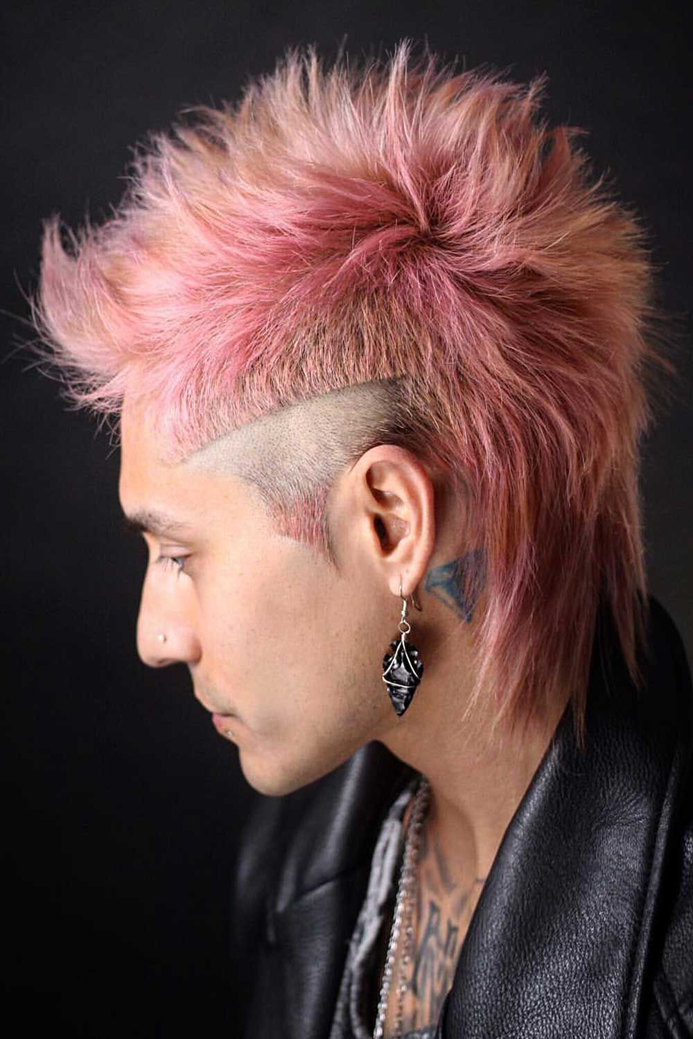 A Styling Guide To A Modern Mullet Haircut Menshaircuts Com Mullet Haircut Mullet Hairstyle Hair Styles
