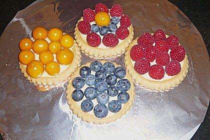 Fruchtige Torteletts mit Vanillepudding