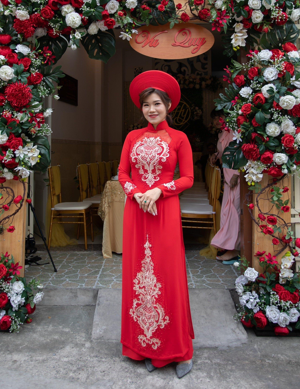 Red wedding ao dai. Beautiful, made to measure Vietnamese