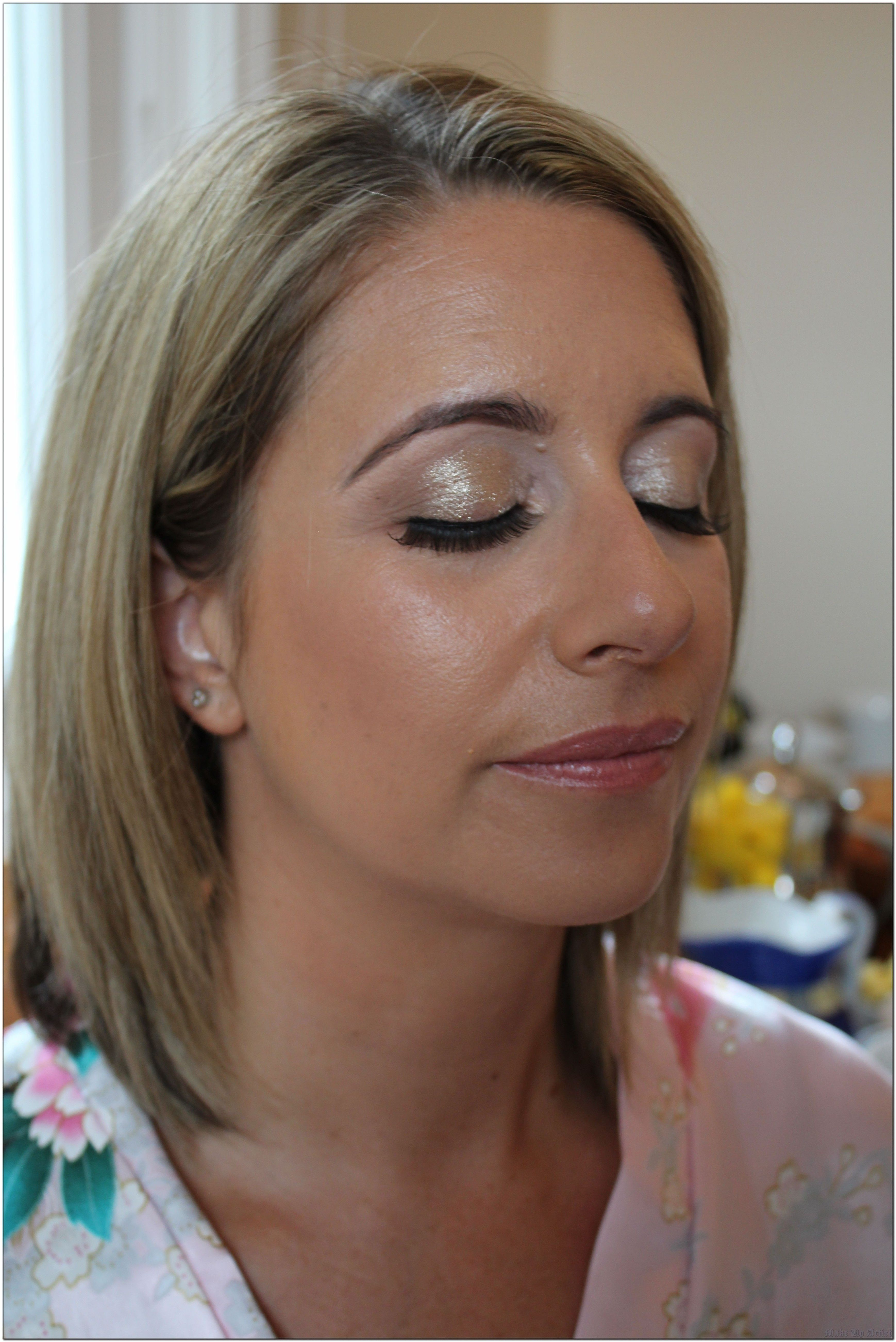 Don't Just Sit There! Start Make Up Artist