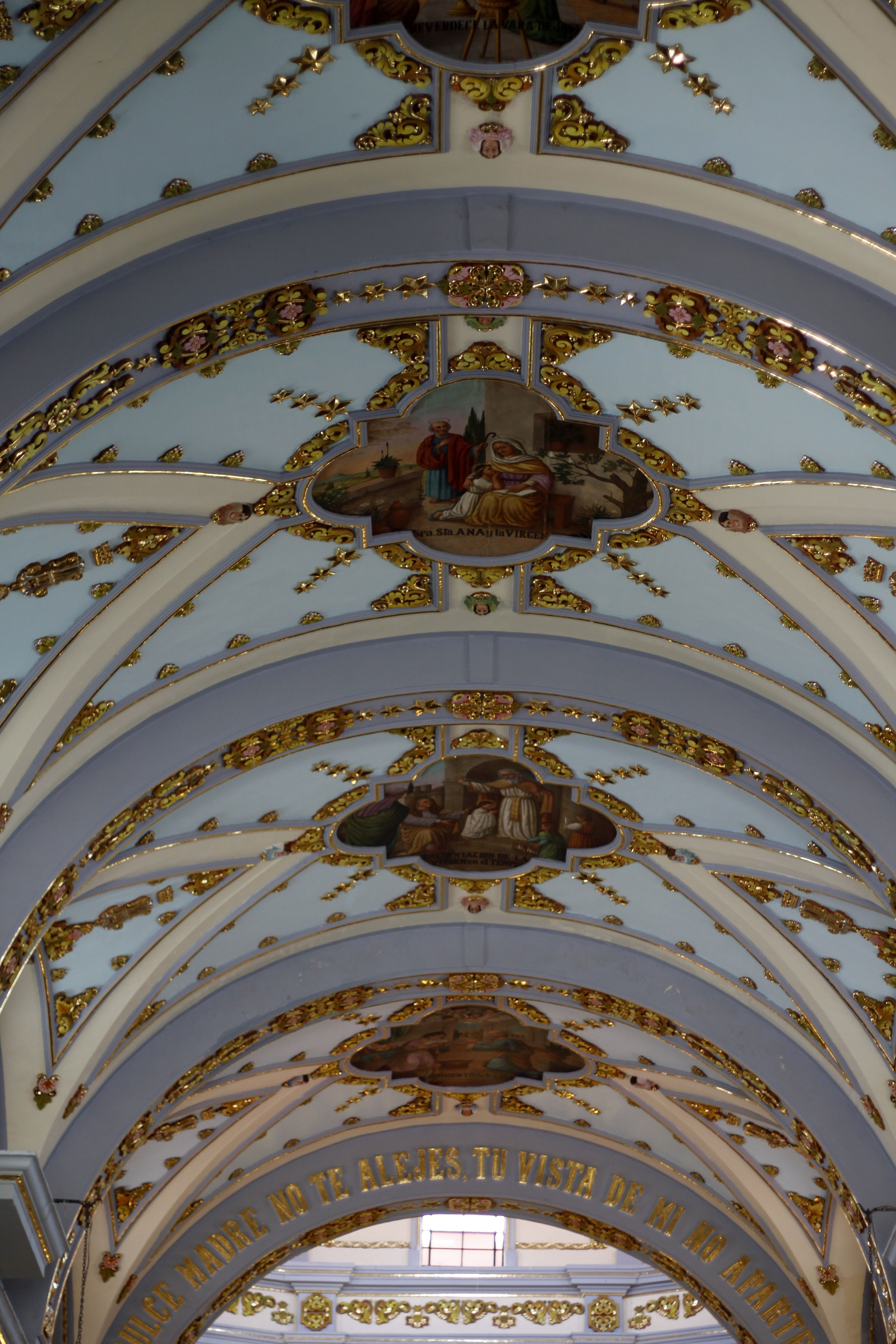 Interior de la Iglesia de Tonatico,Edo de Méx.