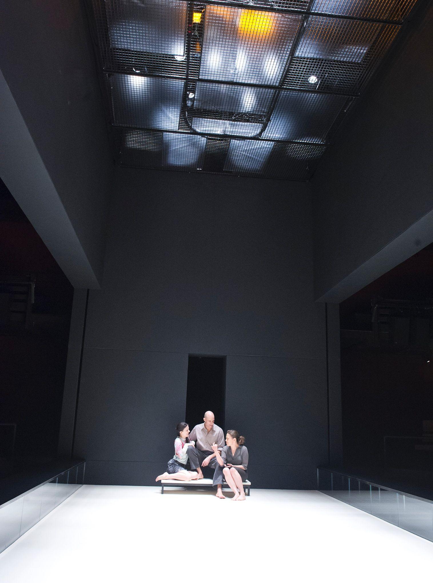A View From The Bridge Five Star Review Ivo Van Hove Reinvents Arthur Miller Set Design Theatre Ivo Van Hove Scenic Design Theatres