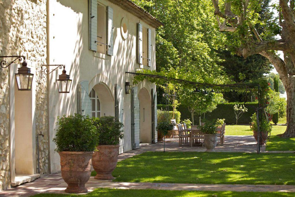 mas 17 pièces en location saisonnière sur LE THOR (84250) Maison - location vacances provence avec piscine