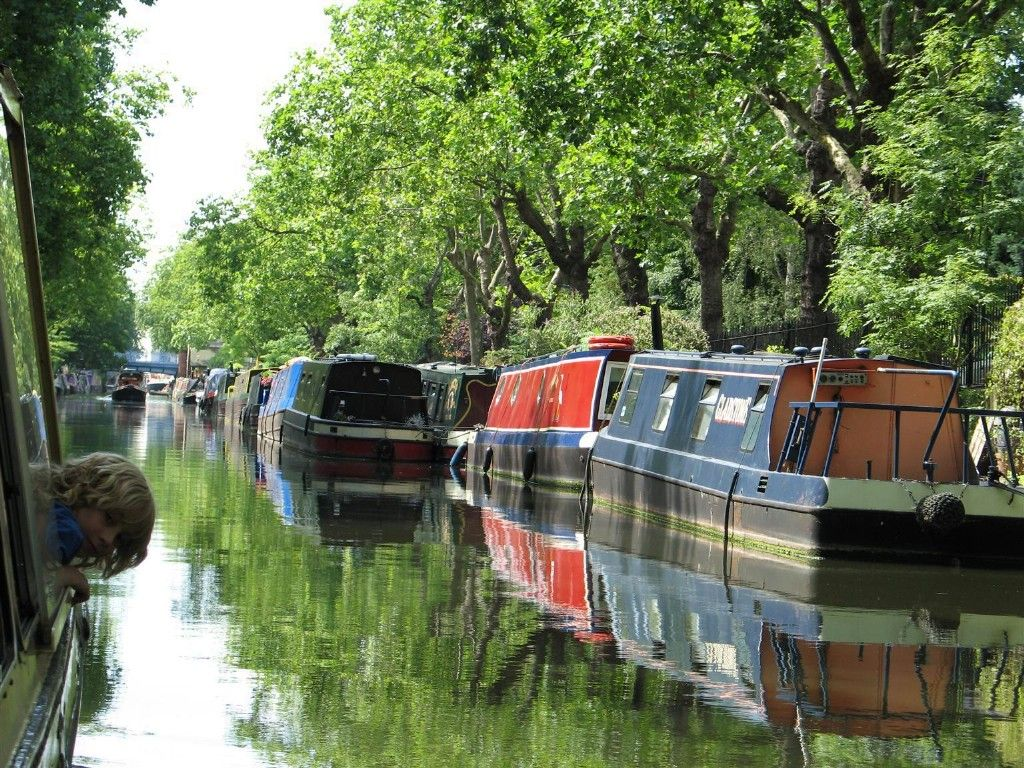In england 16500 people live afloat mainly on narrow