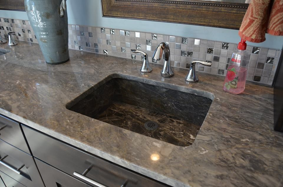 Bathroom Countertop by Melling Granite.