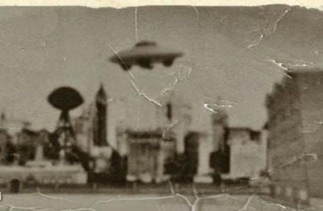 Nikola Teslas Flying Machine 1928 powered by Free Energy