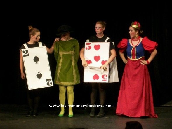 Playing Card Costumes In Alice In Wonderland 2007 Playing Card Costume Card Costume Alice In Wonderland Costume