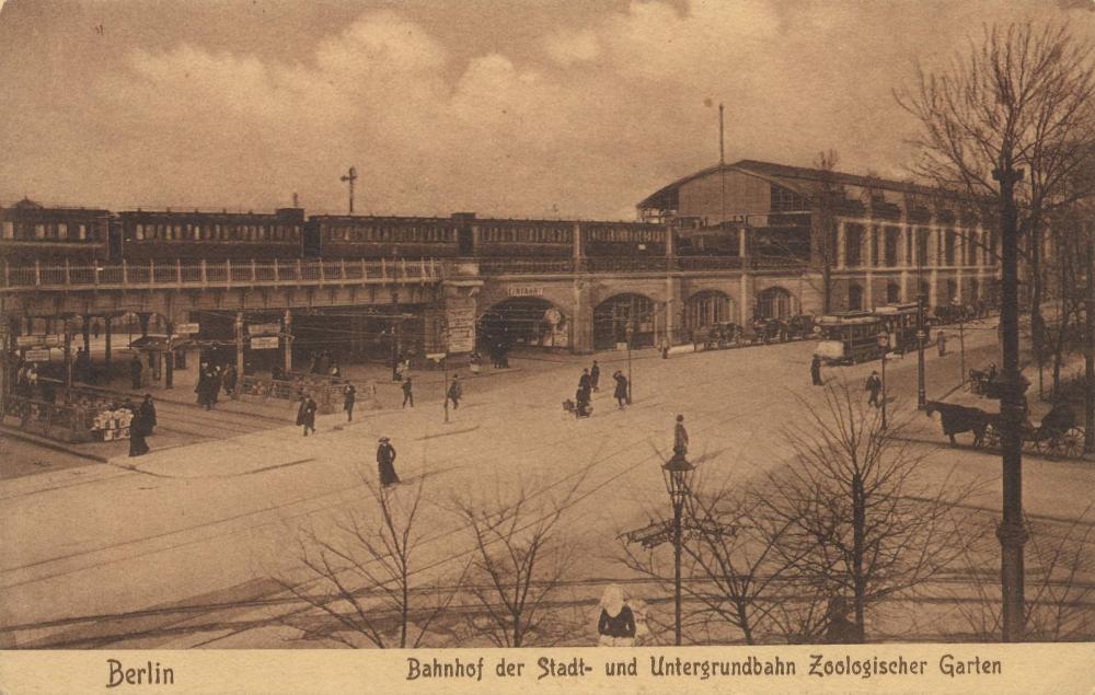 Berlin Charlottenburg Postkarte 074 Berlin Zoologischer Garten Railway Station Wikipedia In 2020 Railway Station Berlin Garten