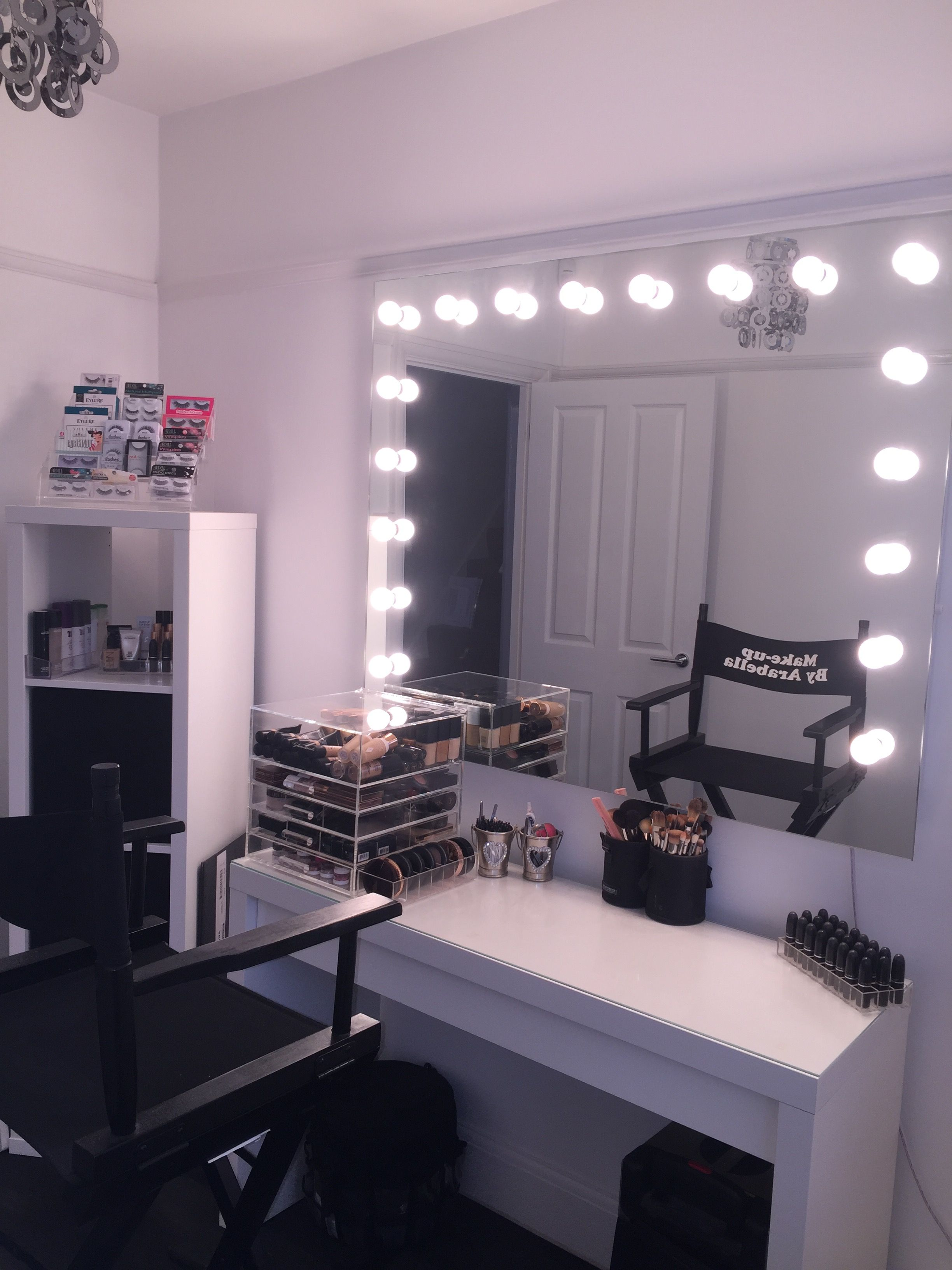 Makeup Rooms, Powder Room