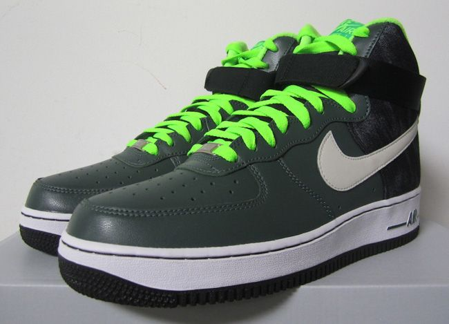 "Nike Air Force 1 High ""Vintage Green"""