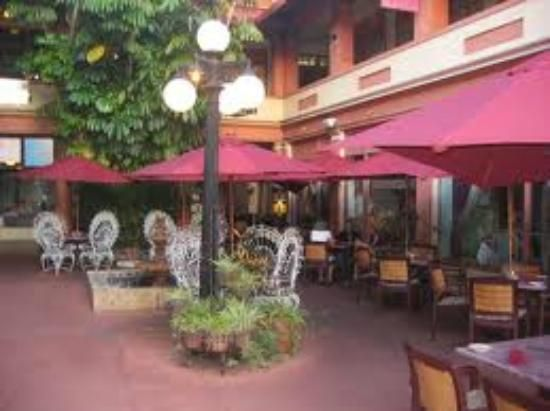 Cafe Margaux Restaurant Courtyard Cocoa Florida D I N E