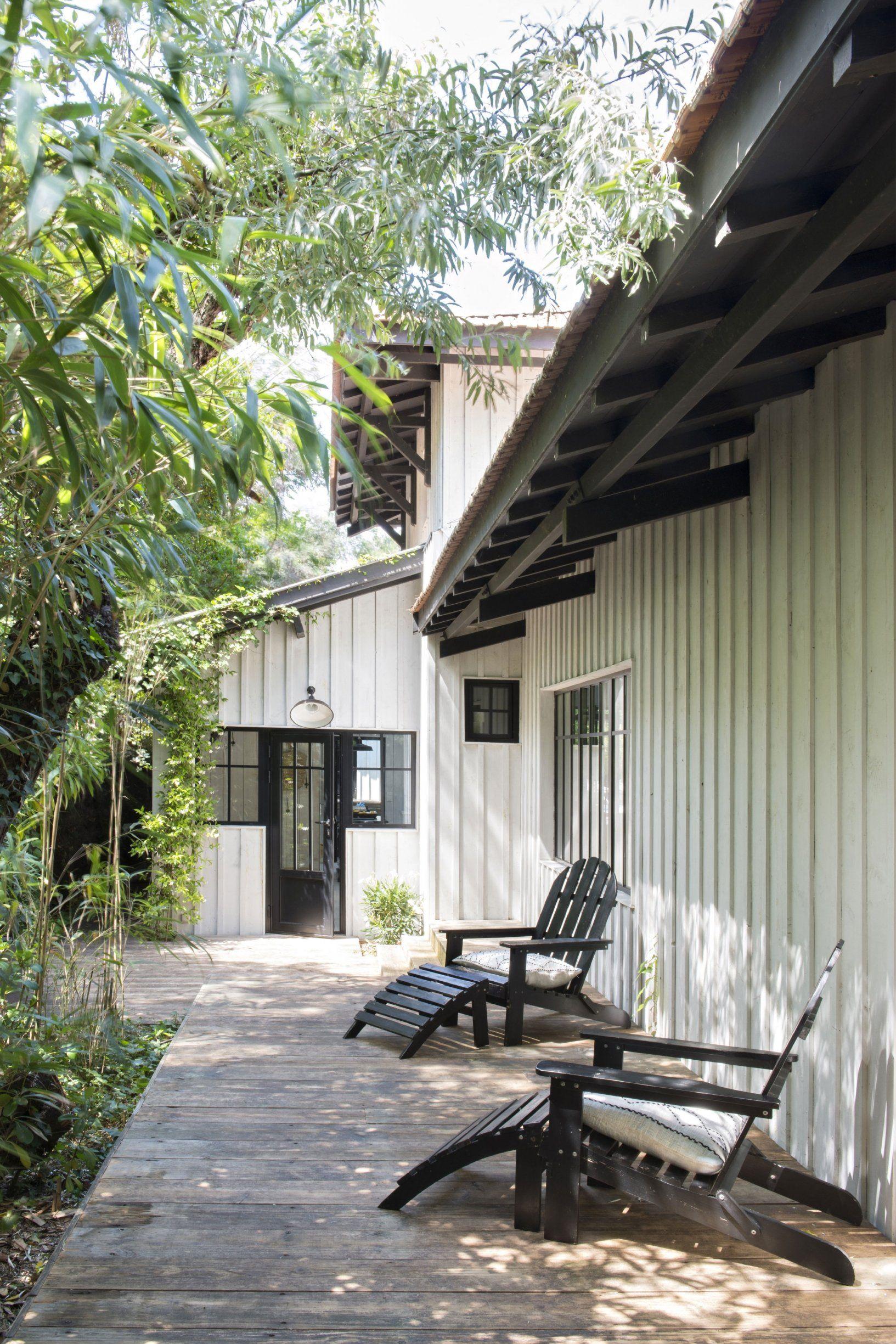 Maison Peinte En Blanc Exterieur la renaissance d'une cabane familiale au cap ferret