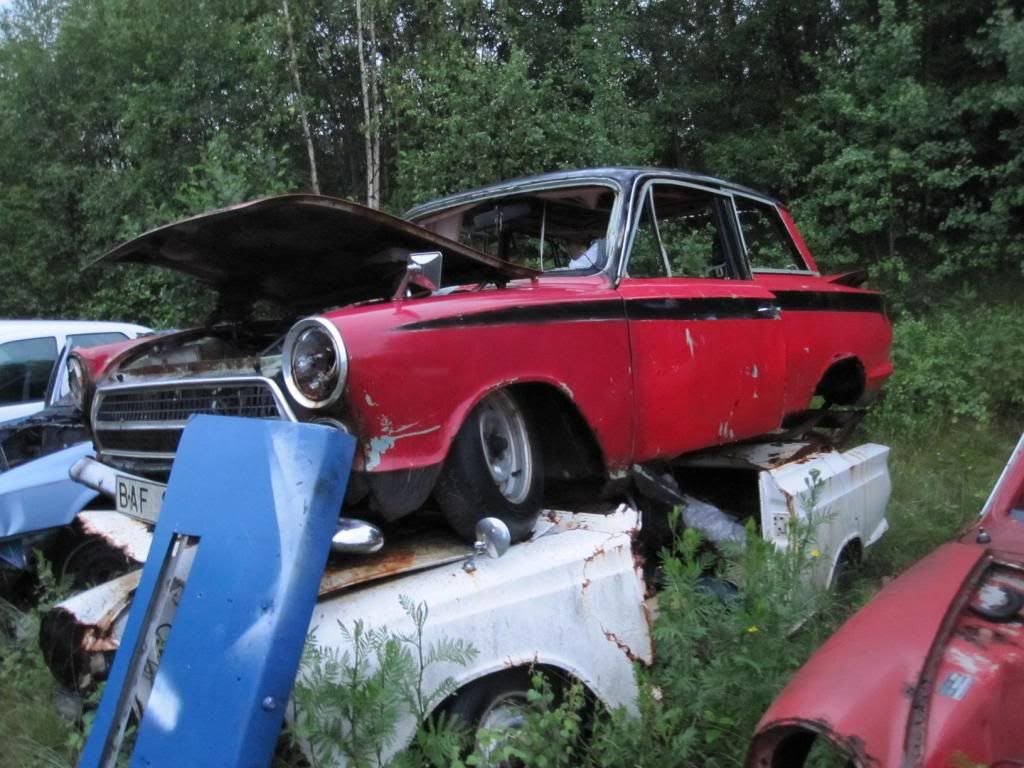 Scrap Yard H&S ford cortina   Rust in peace - European cars ...